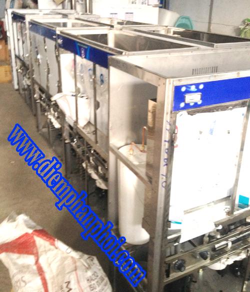 Sản xuất máy nước uống nóng lạnh cung cấp cho công ty tại Khu chế xuất Tân thuận quận 7