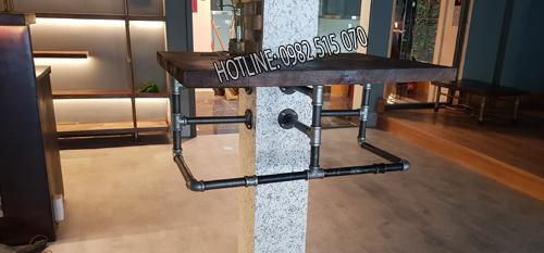 bàn treo gốc cột ống nước
