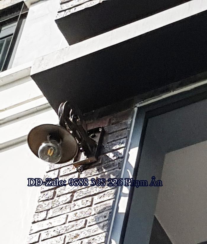 Đèn treo tường cổ điển thi công cho hair salon đường 30/04 Tp. Sóc Trăng