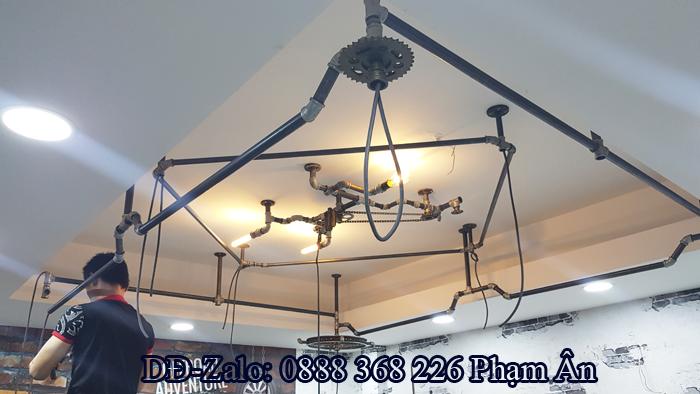 Đèn trần bằng ống nước mang phong cách lạ lẫm cho phòng Karaoke gia đình